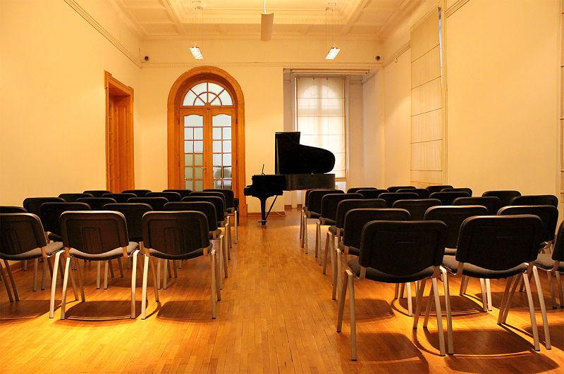 sala-esposizioni,-proiezioni,-concerti-IIC Belgrado_Le Dimore del Quartetto
