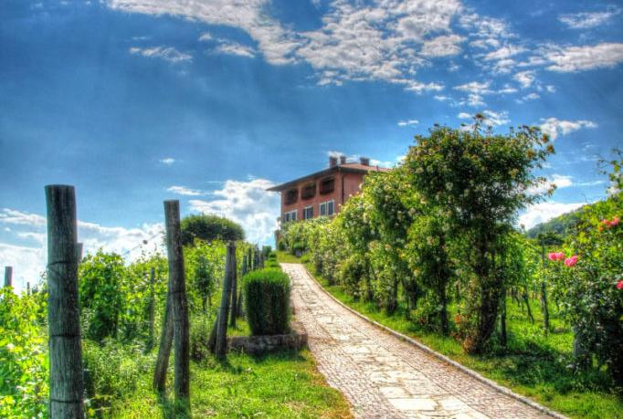 Dimore_Quartetto_Valloni_Vialetto-682x1024