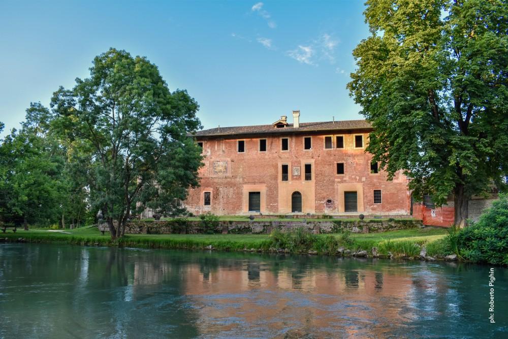 1_Villa-Savorgan-Ottelio_facciate-e-fiume-stella